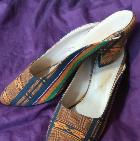 Gorgeous vintage tapestry mules